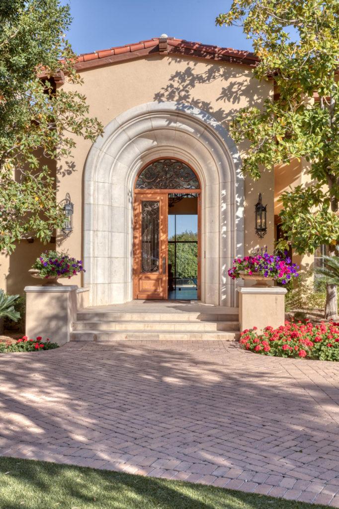 5426 Morrison front door